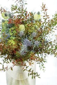 秋満載グランブーケ - お花に囲まれて