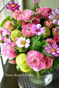 奥様のお誕生日に贈るブーケ(花束)。 - 花色~あなたの好きなお花屋さんになりたい~