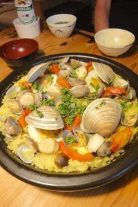 魚介の土鍋パエリア - 週末は晴れても、雨でも