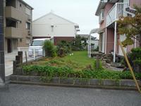 庭を駐車場へ ~ 植木処理、残土搬出。 - 市原市リフォーム店の社長日記・・・日日是好日