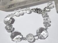クリスタルガラスと水晶(クォーツ)のブレスレット - Iris Accessories Blog