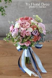 スモーキーな色合いのお花を束ねて - Ys Floral Deco Blog