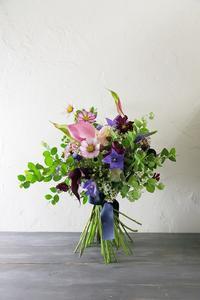 一会マンスリーレッスン9月19日生花秋色と白、コントラスト - 一会 ウエディングの花