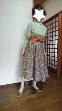 9月20日,70代。手作りの花柄フレアースカートとコーディネートする - 楽しく元気に暮らします