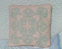アンスリウムクッション - ほっと一息・・~Sakura's Hawaiian QuiltⅡ
