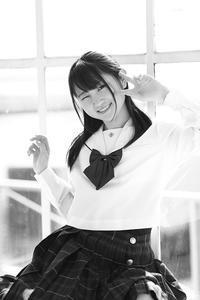 白井花奈ちゃん18 - モノクロポートレート写真館