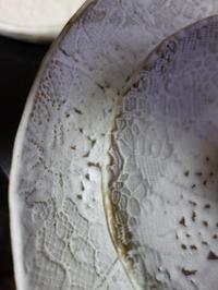 本焼き窯出し3の作品★レース紋白マット鉢 - 月夜飛行船