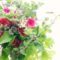やさしく香るアロマブーケパリスタイル金澤 - お花に囲まれて