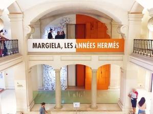 2018 8-9 ヨーロッパ買い付け後記4 マルジェラ エルメス時代展 入荷HERMES/エルメス シャツ、ネクタイ、ブレスレット - 千葉 アンティーク、古着のANDANTEANDANTEのアンアンブログ