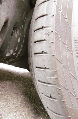 タイヤが… - @猫にコンバンワ!