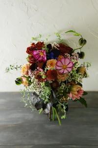 一会マンスリーレッスン9月25日生花秋色と白、コントラスト秋桜と吾亦紅 - 一会 ウエディングの花