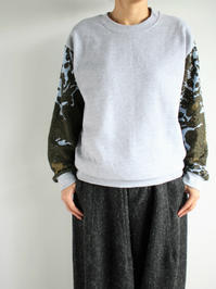 NOMA t.d.Lace Sleeve Sweat / Gray×Olive - 『Bumpkins putting on airs』