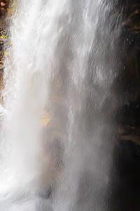 龍王峡怒涛の落水 - 風の香に誘われて 風景のふぉと缶