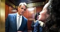 米上院司法委員会やエレベーターで女性の告発つづく - FEM-NEWS