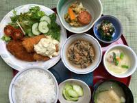 魚フライ&チキンカツ★(^^♪・・・・・700円ランチ - 日だまりカフェ