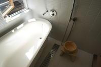 シンプルバスは、掃除がラクラク - 函館の建築家 『北崎 賢』日々の遊びと仕事