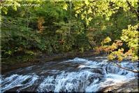 秋を探して白扇の滝 - 北海道photo一撮り旅