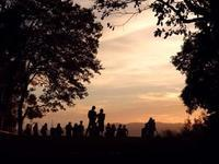 夕陽と影 - Blue Planet Cafe  青い地球を散歩する