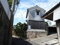 鶴橋地域に残る旧家の家並み - 時の流れに身を任せ…