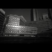 新橋駅前ビルにはウツキカメラがあった - 正方形×正方形