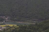 緑の山と緑の川と小さな田んぼ- 肥薩線・2018年 - - ねこの撮った汽車