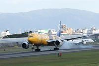 全日空 JA743A 777-200 伊丹空港で撮りました・ - 写真で楽しんでます!