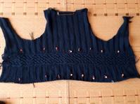 へちま襟のカーディガンその3前身頃 - ふくすけのコネコネ 編み編み てくてく日記