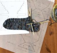 靴下  途中経過 - セーターが編みたい!