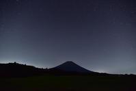 富士ヶ嶺から本栖湖 - 風とこだま