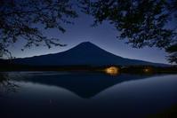 田貫湖の夜 - 風とこだま