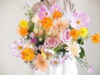 3年目の結婚記念日にコスモスと小さなお手てと、井戸をほること鳳鳴館の卒花様より - 一会 ウエディングの花