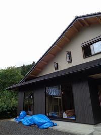 招き屋根と小屋裏のある家②(大工工事) - ㈱栃毛木材工業