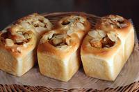 さつまいもとカラメルりんごのミニ食パン - Takacoco Kitchen
