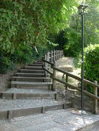 城への階段 (Borghetto) - エミリアからの便り