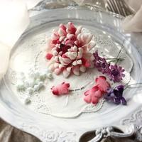 「成人式の髪飾り」布のお花で制作しています - galette des Rois ~ガレット・デ・ロワ~