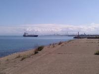 伏木港に入港する汽船。 - めぐり逢うことばたち