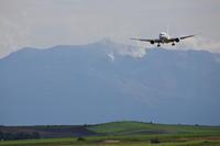 背負うもの~旭川空港~ - 自由な空と雲と気まぐれと ~from 旭川空港~