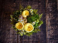 ギフト用アレンジメント。「黄色メインで」。東札幌1条にお届け。2018/10/04。 - 札幌 花屋 meLL flowers