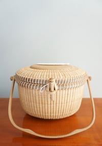 ウオルナットとオーク材料の組み合わせ - ローズ家のナンタケットバスケット