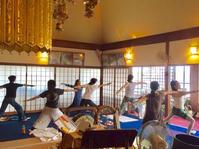 10月のお寺ヨガ in 本昌寺 - 全てはYogaをするために    動くヨガ、歌うヨガ、食べるヨガ