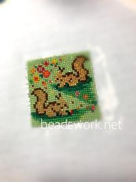 プラナカンビーズ刺繍 リスのモチーフ - プラナカンビーズ刺繍  ビーズワークと旅