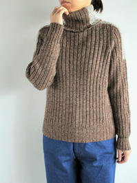 unfilmelange merino ribbed turtle - 『Bumpkins putting on airs』