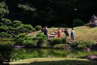 清澄庭園で人のいる風景(*^_^*) - 自然のキャンバス