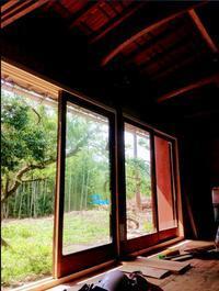 木製ガラス戸が入ったよ - 古民家再生できるかな