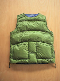 SLOW HANDSNylon Pull Over Down Vest / Olive - 『Bumpkins putting on airs』
