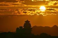 姫路城と日の出 - とりあえず撮ってみました