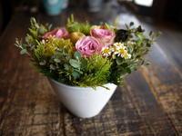 退職される女性へアレンジメント。「優しい色合い、可愛すぎないピンク系」。2018/10/12。 - 札幌 花屋 meLL flowers