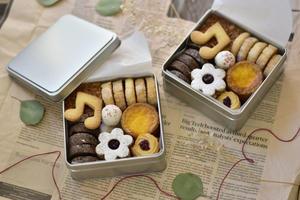 またまたクッキー缶 - honey+Cafe
