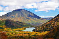 奥日光男体山と湯ノ湖の秋色 - 風の香に誘われて 風景のふぉと缶