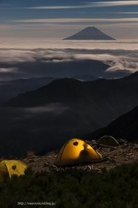 北岳山荘の夜 - moroyanのドタバタ夜景日記